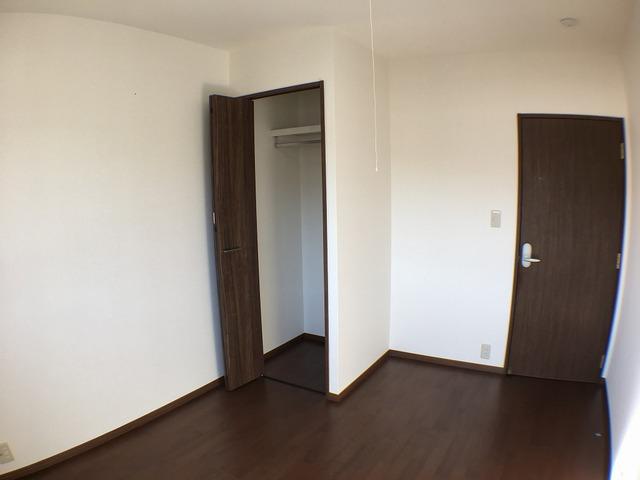 2階中洋室、収納