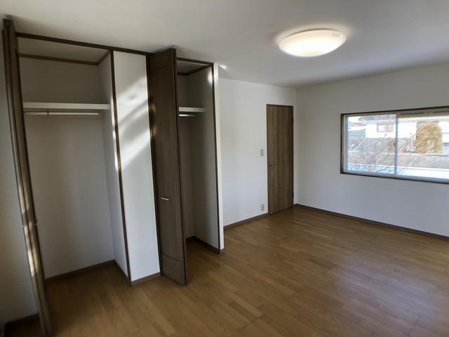 2階東側洋室(収納)