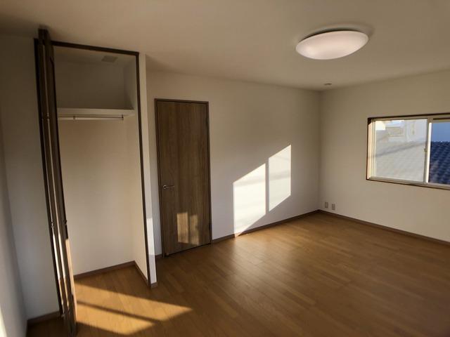 2階西側洋室(収納)