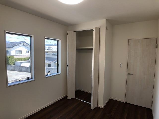 2階洋室(5.4帖)収納