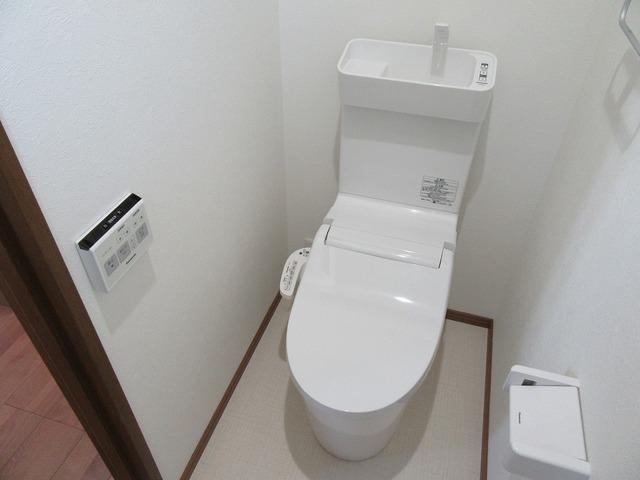 温水洗浄式トイレ新品(2階)