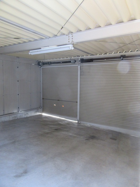 車庫の内部