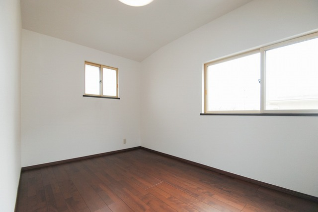 2階洋室(5.3帖)
