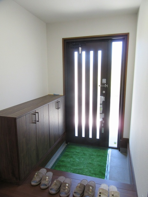 玄関(下駄箱・玄関ドア新品)