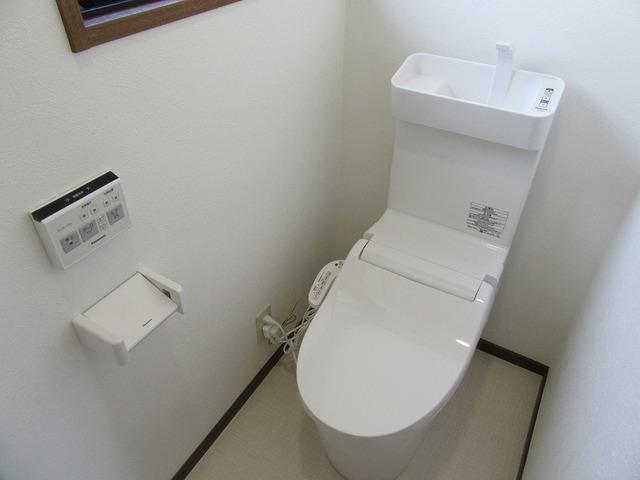2階温水洗浄式トイレ新品