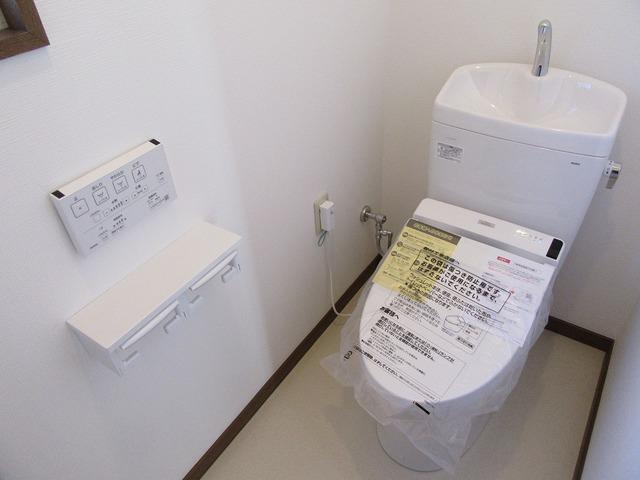 1階の温水洗浄トイレ新品