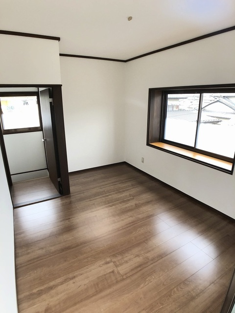 2階東側洋室(5.5帖)