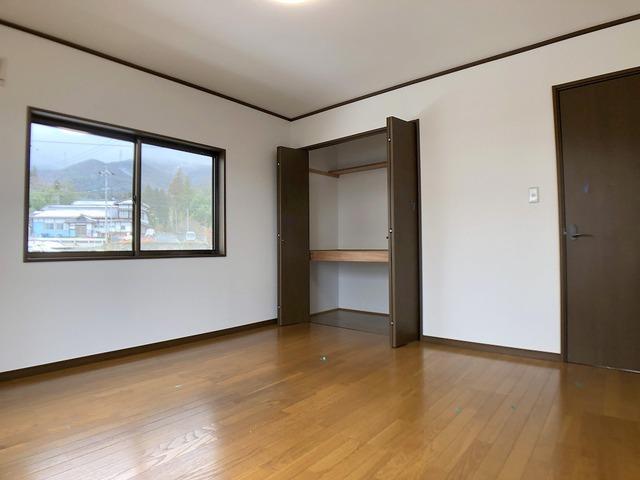 2階8帖洋室・収