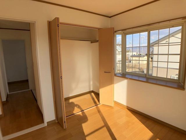 2階洋室(5.5帖)