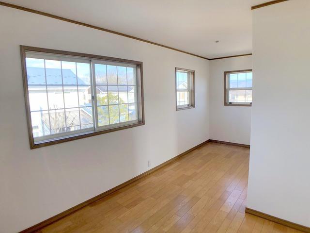 2階洋室(6.9帖)