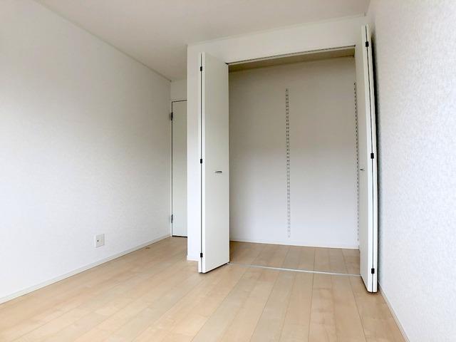 2階洋室(5.7帖)