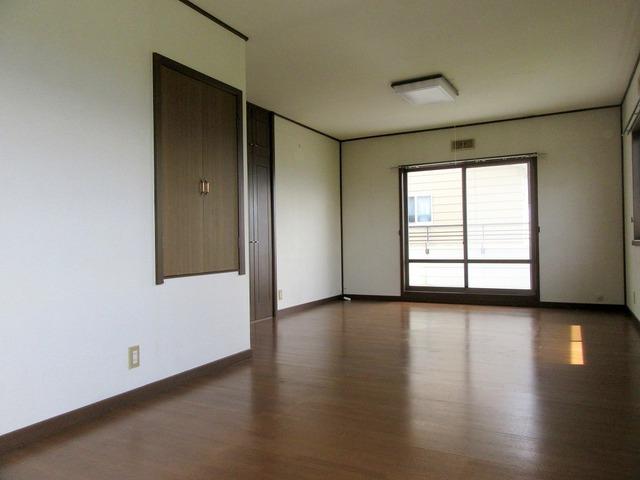 2階洋室(16帖)