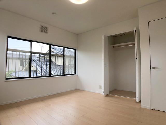 2階洋室(7.7帖)・収納