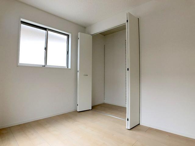 2階西側洋室(6帖)・収納