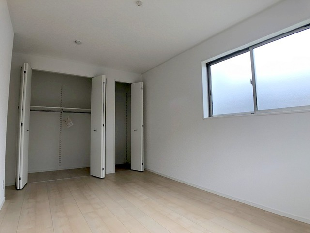 2階東側洋室(7.7帖)