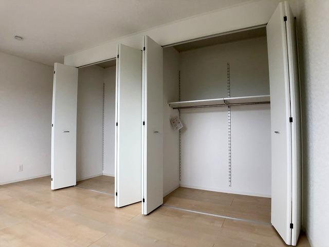 2階洋室(8帖)・収納