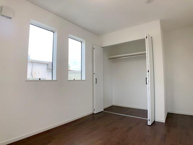 2階洋室(6.5帖)・収納