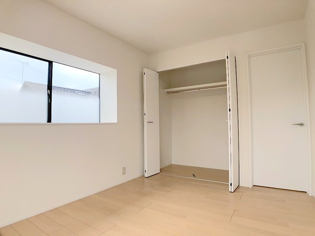 2階南西側洋室(6.0帖)・収納