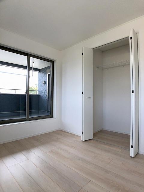 2階南東洋室(5.7帖)・クローゼット