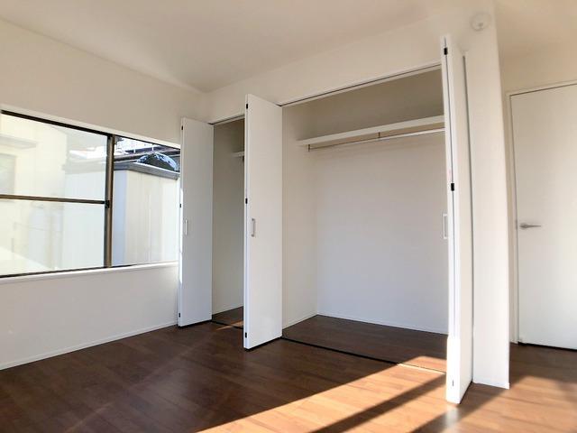 1階洋室(6.5帖)・クローゼット