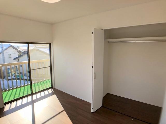 2階東側洋室(6.0帖)・クローゼット