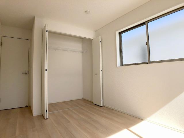 2階東側洋室(6.5帖)