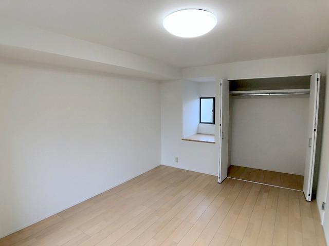 2階西側洋室(9.3帖)・クローゼット