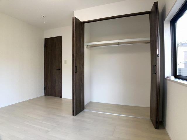 1階洋室(7.2帖)・クローゼット