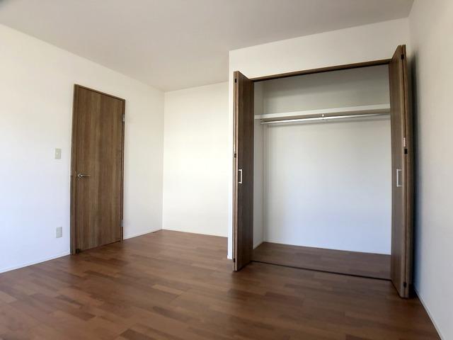 1階洋室(9.0帖)・クローゼット