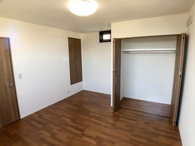 2階東側洋室(9.0帖)・クローゼット