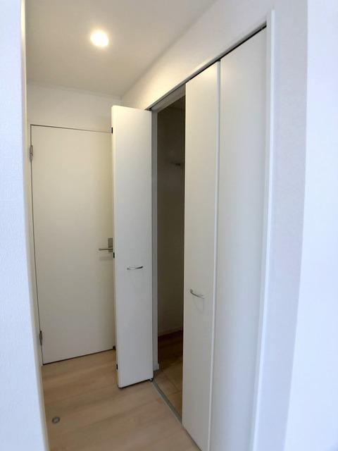 2階東側洋室のクローゼット