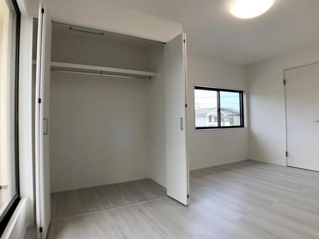 2階北側洋室(9.0帖)・クローゼット