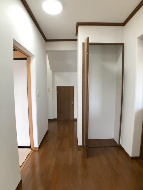 1階廊下・収納
