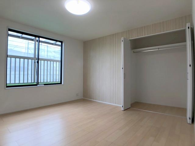 2階東側洋室(8.0帖)・クローゼット