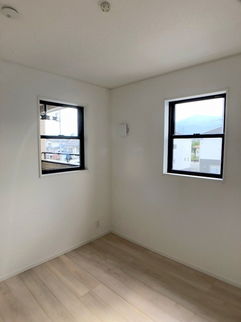 2階西側洋室(4.5帖)