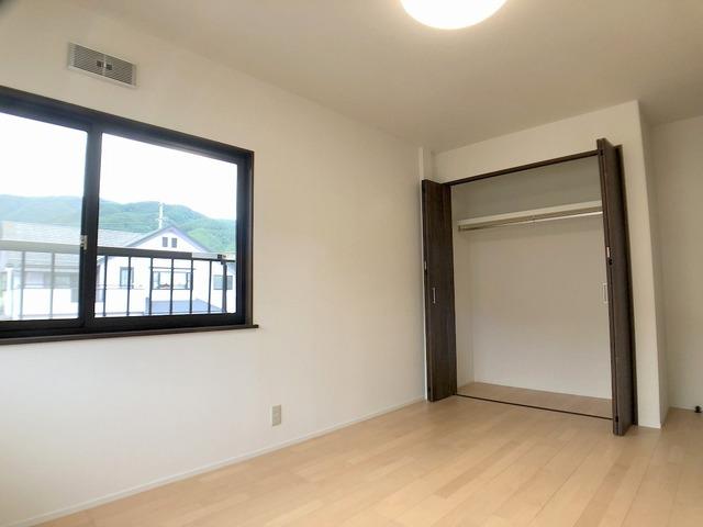 2階西側洋室(6.8帖)・クローゼット