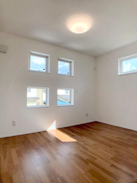 2階西側洋室(6.7帖)