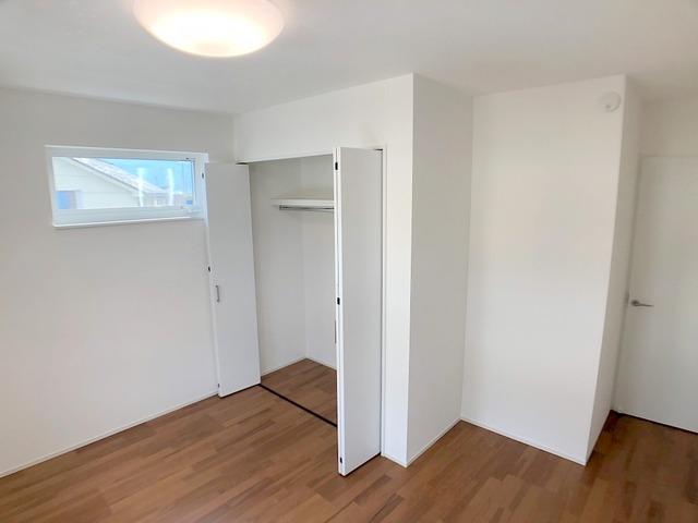 2階西側洋室(6.7帖)・収納