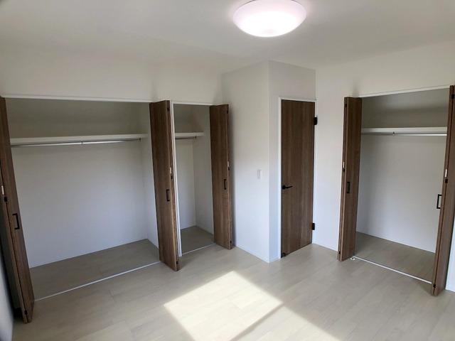 2階西側洋室(7.5帖)・クローゼット